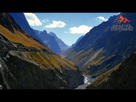 Tianshan Grand Canyon Xinjiang